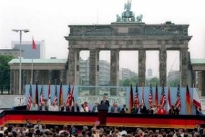 reagan_berlin_wall